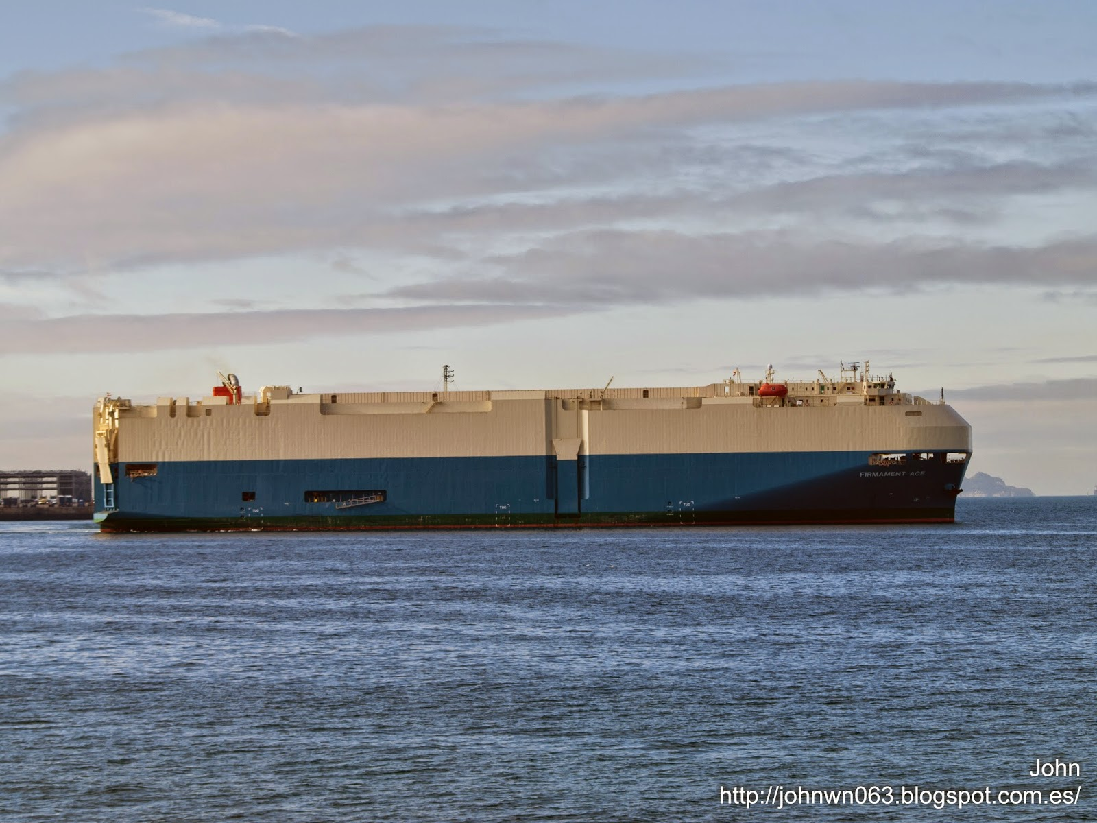 fotos de barcos, imagenes de barcos, firmament ace, MOL, car carrier, vigo