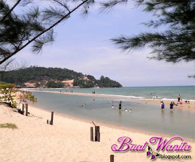 Tempat Menarik Pahang : Pantai Kampung Cherating. Pantai Kampung Cherating Tenang Dan Mendamaikan.