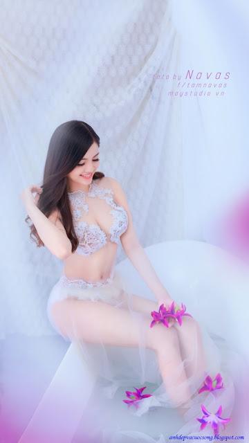 Hình ảnh hotgirl Hà thành gợi cảm với nội y xuyên thấu