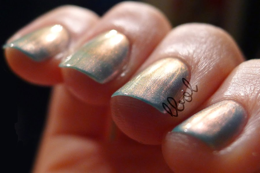OPI Sonic Bloom Swatch