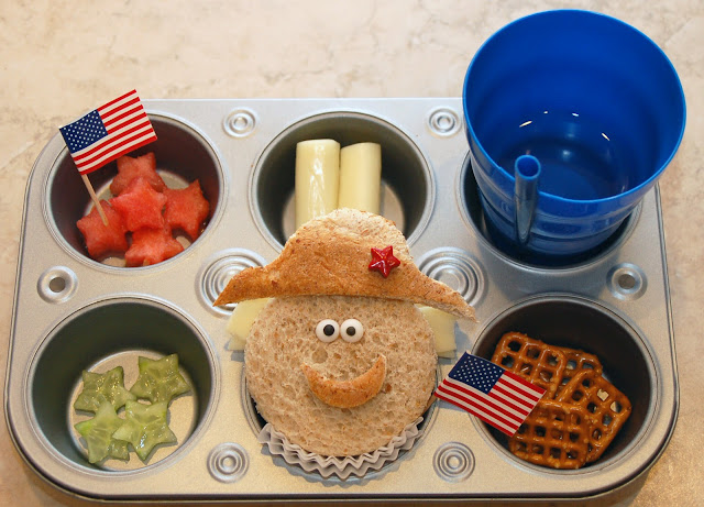 Presidents Day Lunch - Presidents Day activities for kids {Weekend Links} from  HowToHomeschoolMyChild.com