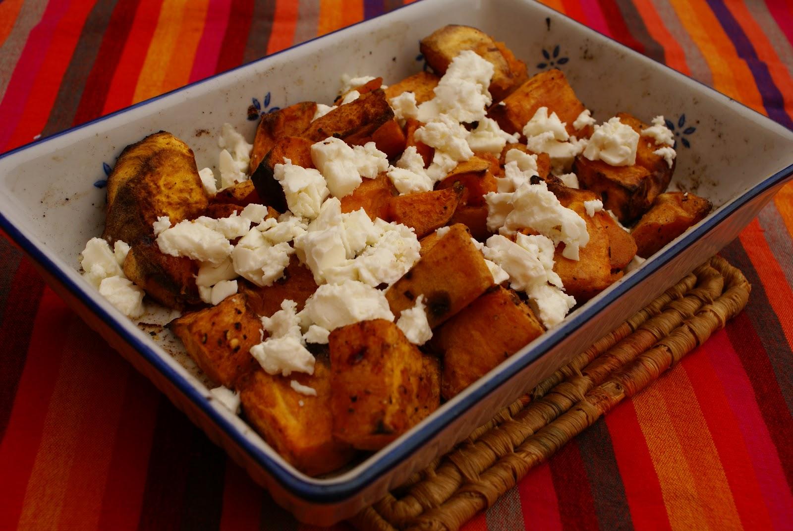 Leichte Sommerküche Jamie Oliver : Kochen ist kein hexenwerk: geröstete süßkartoffeln mit feta