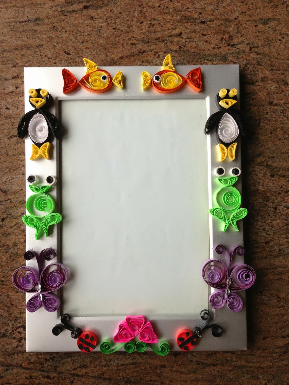 Shweta\'s Paper Quilling: Quilled photo frame