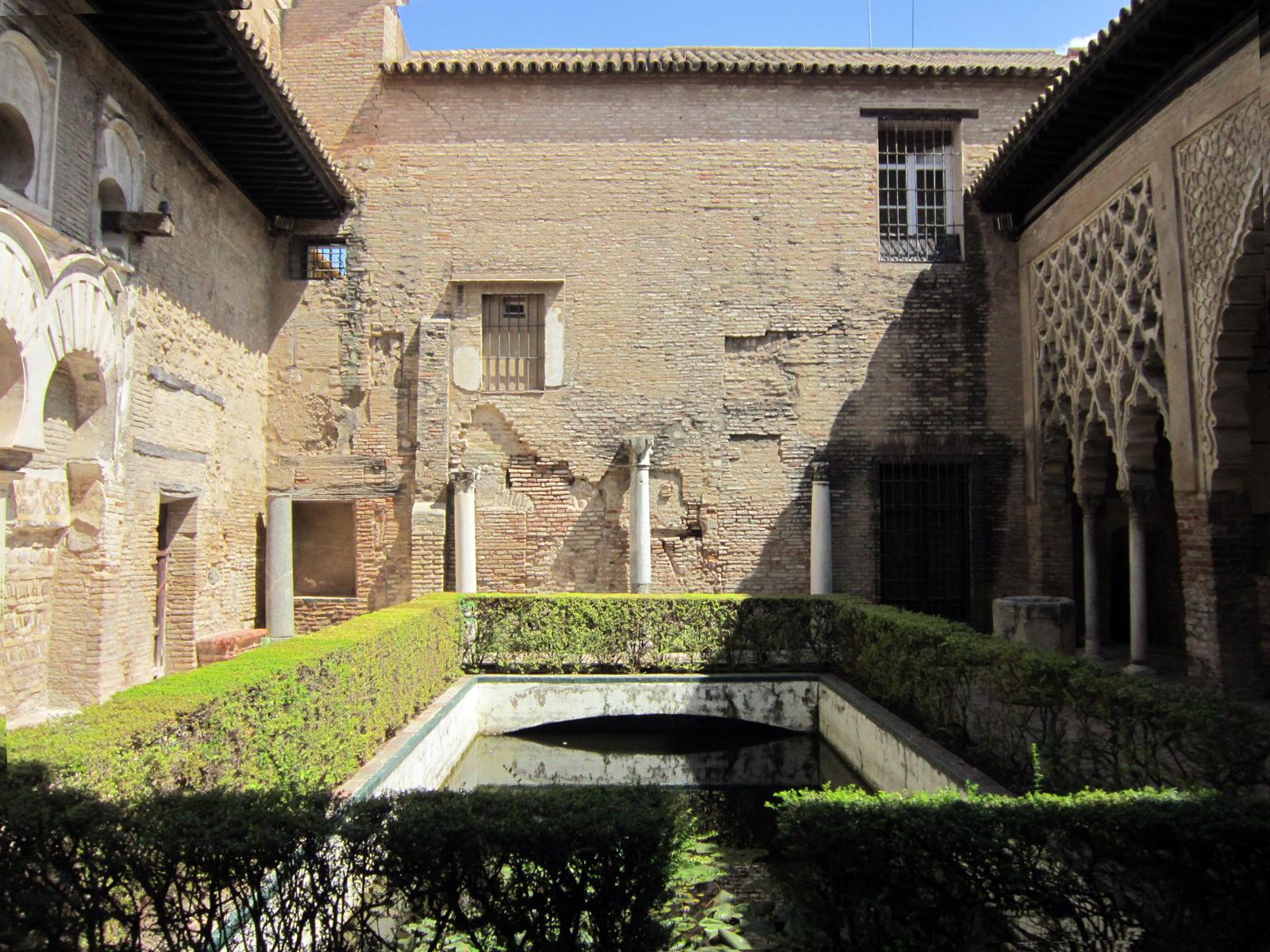 Patio de Yeso alcazar, sevilla에 대한 이미지 검색결과