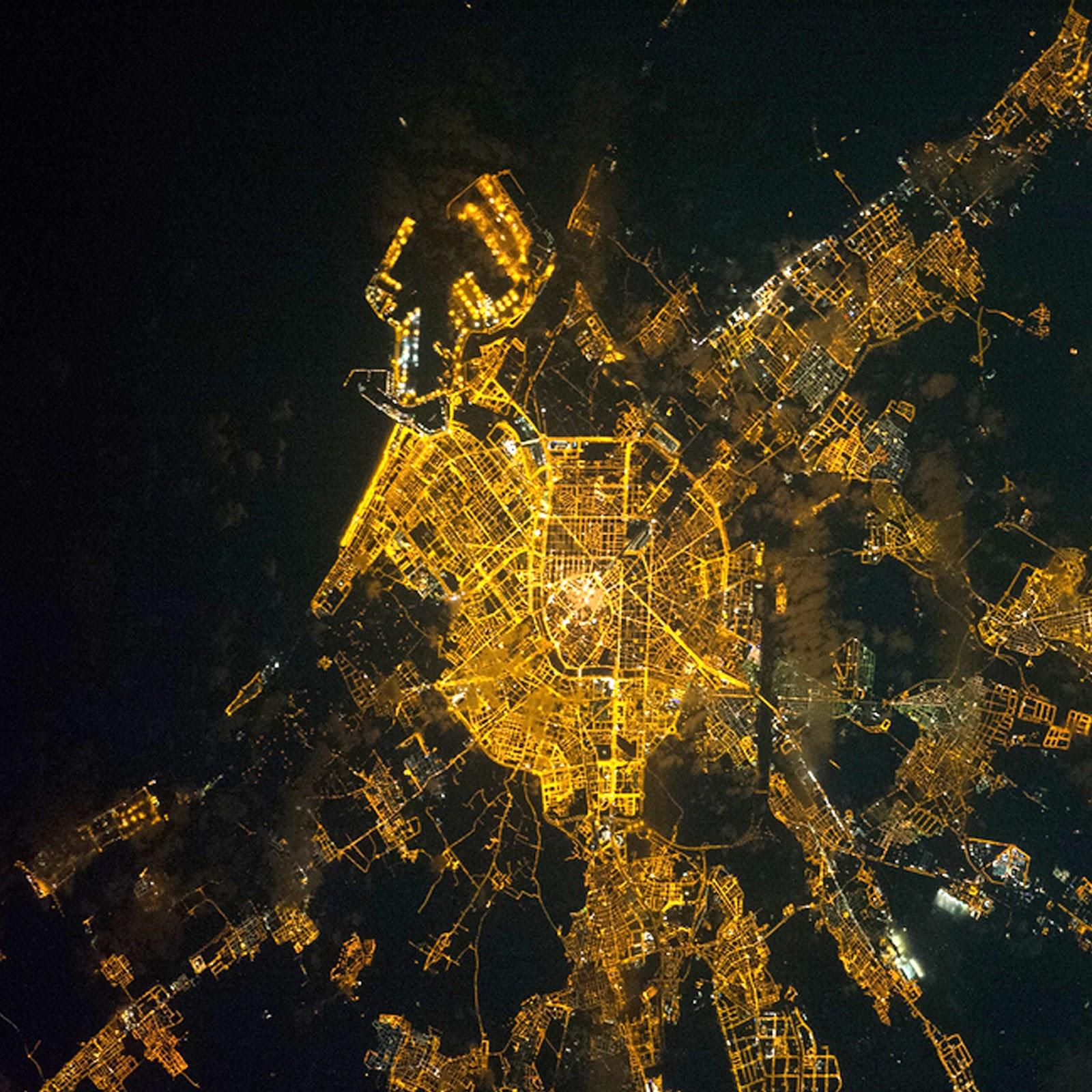 Valencia, vista nocturna, desde el espacio,