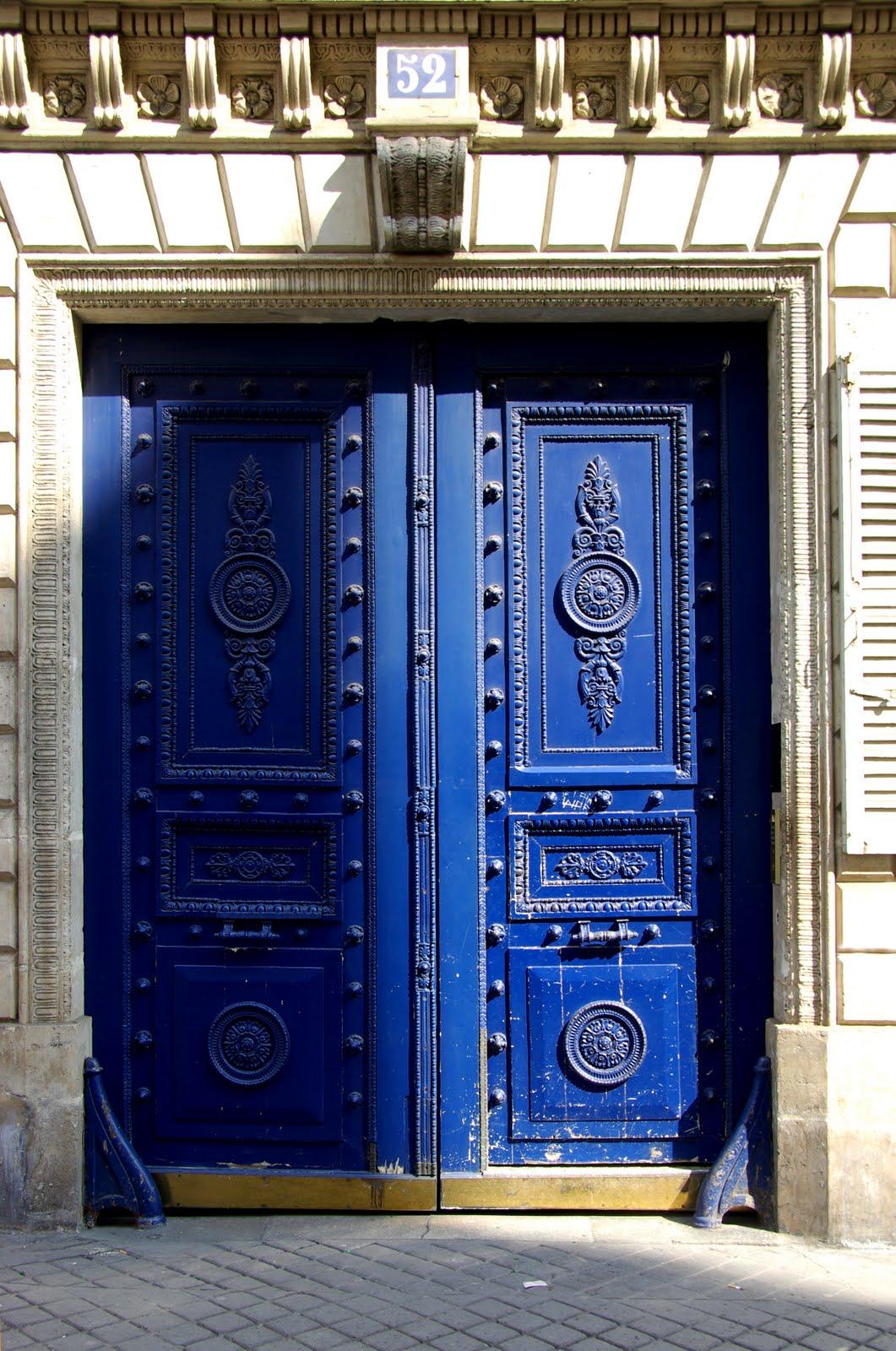 parisdailyphoto beautiful door