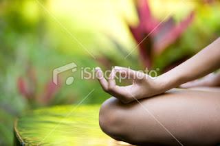Meditasi Kurangi Kesepian Manula