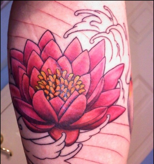Tattoo Lotus perna