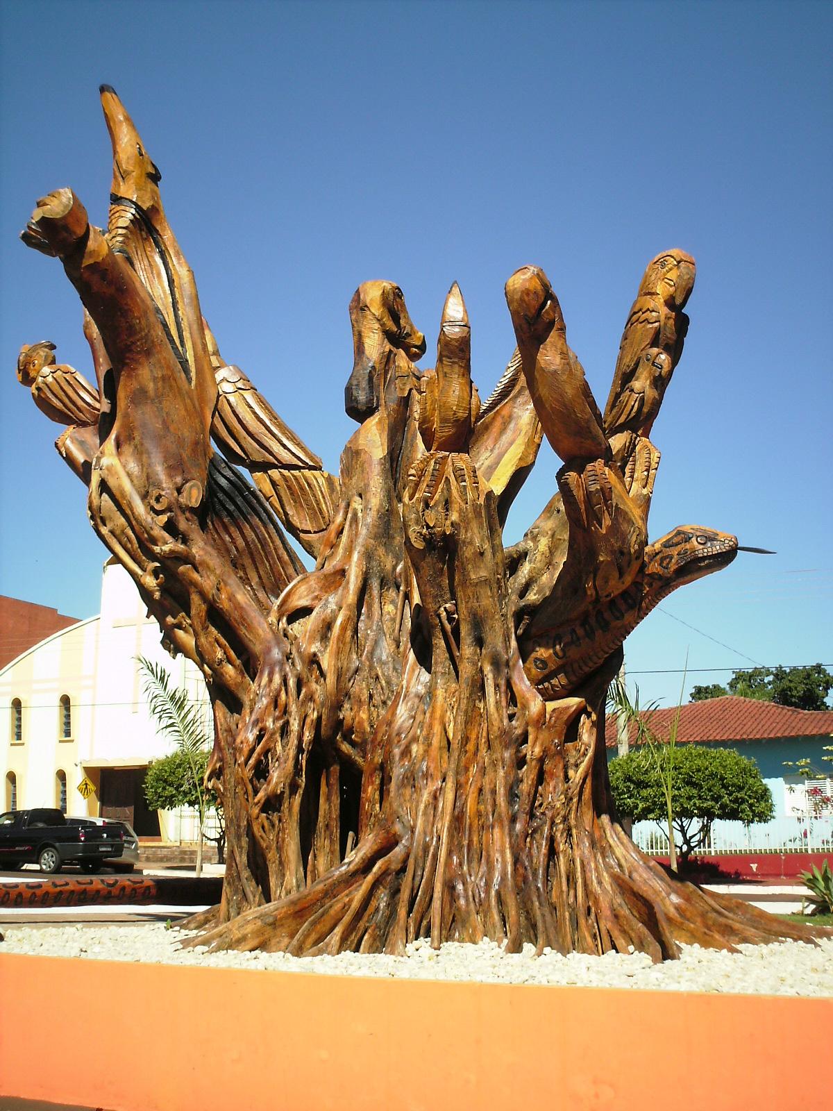 Morre a árvore, nasce a arte