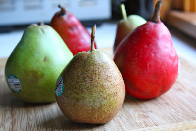 pears are a fruit in season during fall