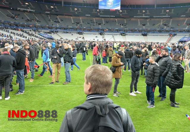 Suasana Lapangan Pasca Bom Prancs vs Jerman Indo888News