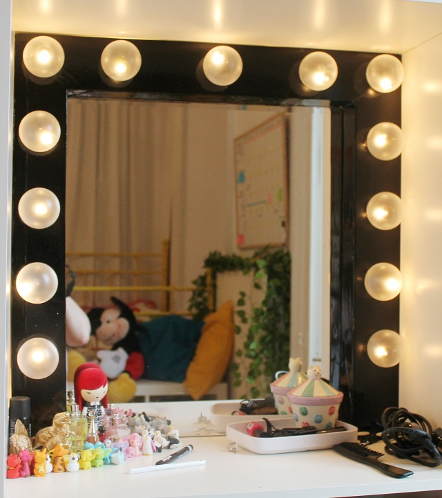 Now thatu0026#39;s pretty: DIY Dressing Room Mirror