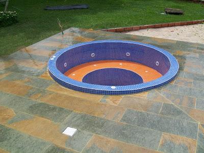 Insumos quimicos y equipos para piscinas reflectores e for Piscinas plasticas colombia