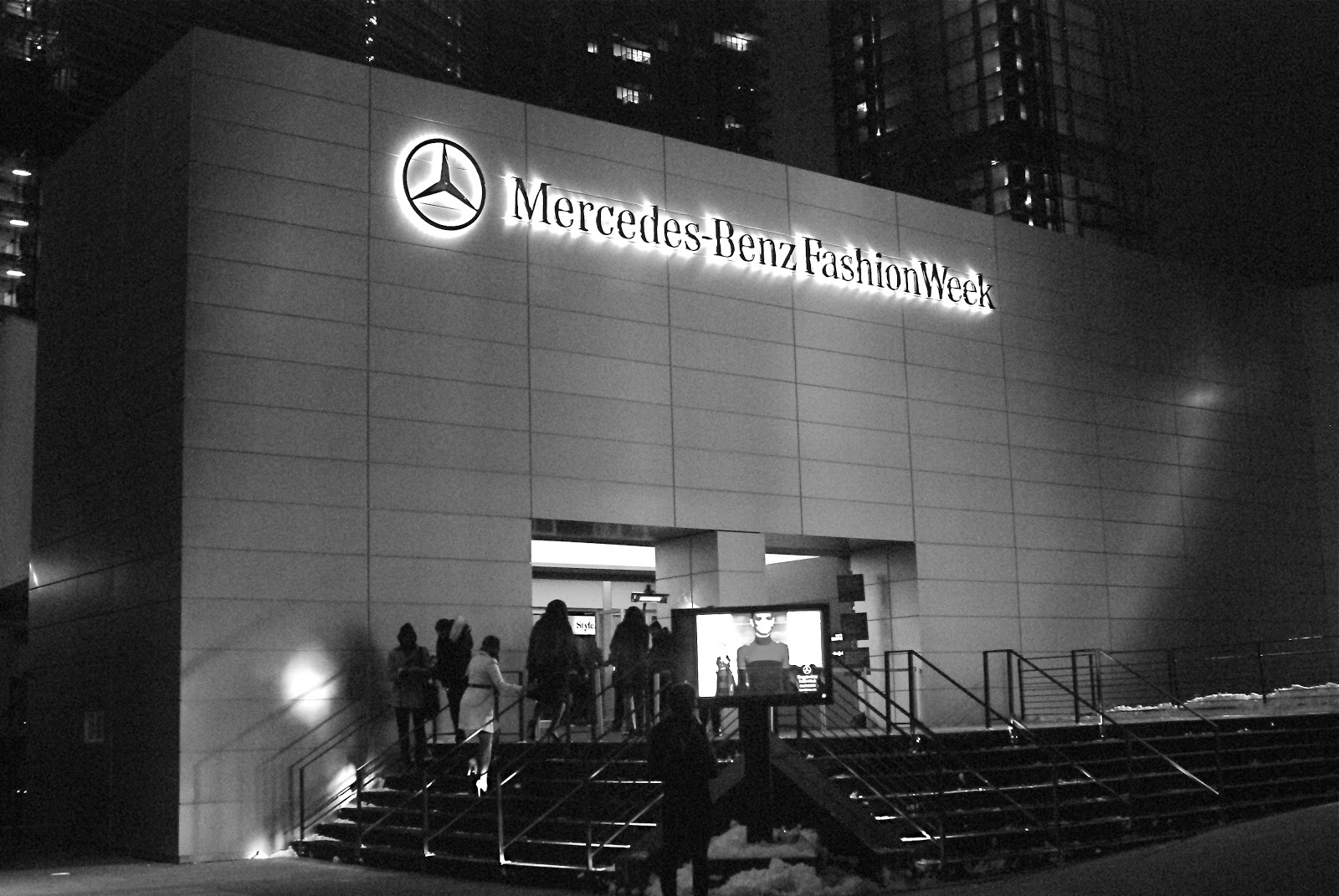 New York Mercedes-Benz Fashion Week – Image via NYC loves NYC