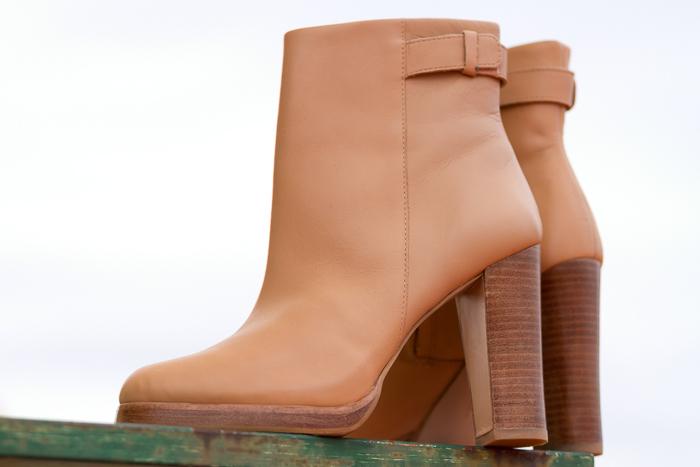 Botines de Zara ce cuero color nude beig tacón alto y ancho Colección Zapatos withorwithoutshoes Blogger moda española Zapatoadicta