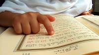 """Ebu Saidi'l-Hudrî radıyallahu anh anlatıyor:  """"Resülullah aleyhissalatu vesselâm buyurdular ki: """"Kur'an ehli (yani onu okuyan, onunla amel eden) cennete girdiği vakit, kendisine: """"Oku ve yüksel!"""" denilir. O da okur ve yükselir. Her ayet için bir derece verilir. Böylece o bildiği ayetleri sonuna kadar okur (ve her biri için bir derece alır)."""""""