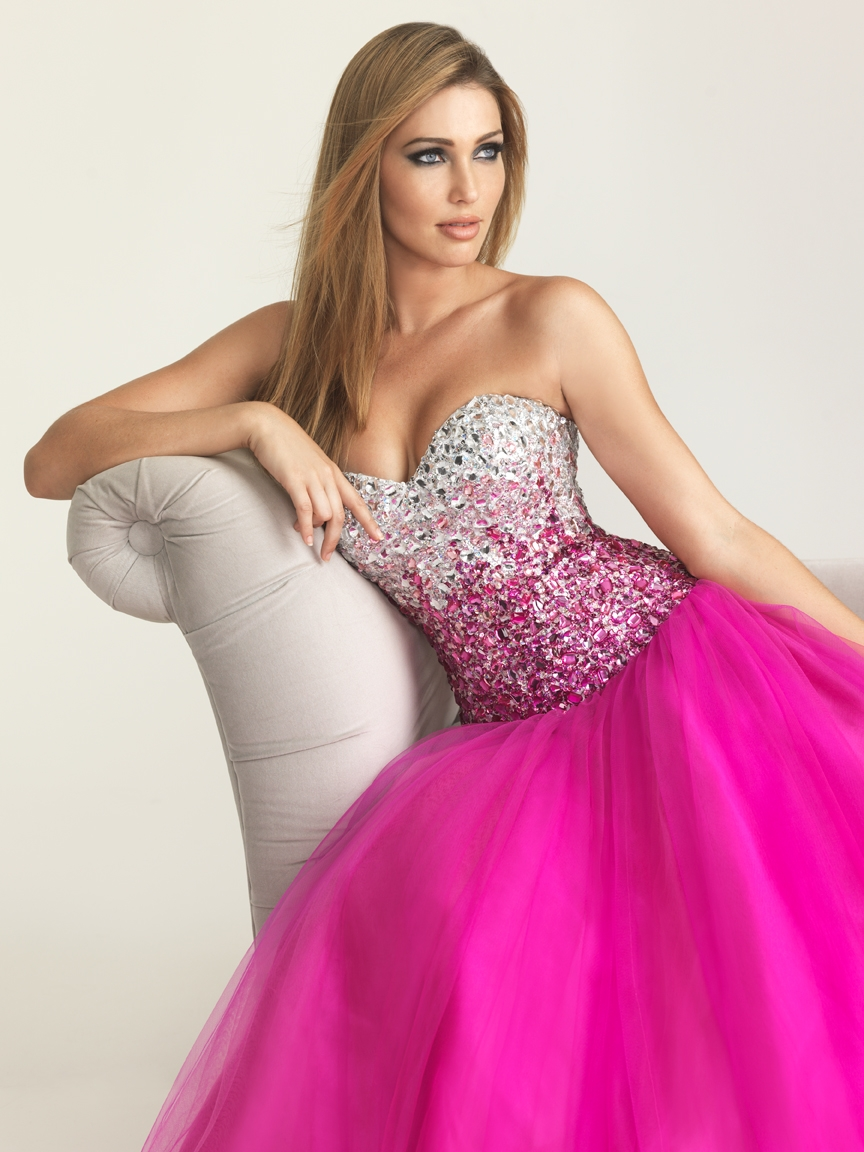 Modren Prom Dresses Collection for Ladies - Hollywood Fashion ...