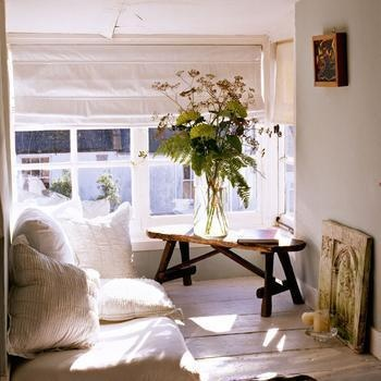 Here We Are With The Whites And Creams Again... But I Love The Use Of This  Space. Definitally My Idea Of Cozy Minimalism. Could Have The Same Effect  With ...