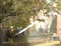 Bombero novato intentado apagar incendio