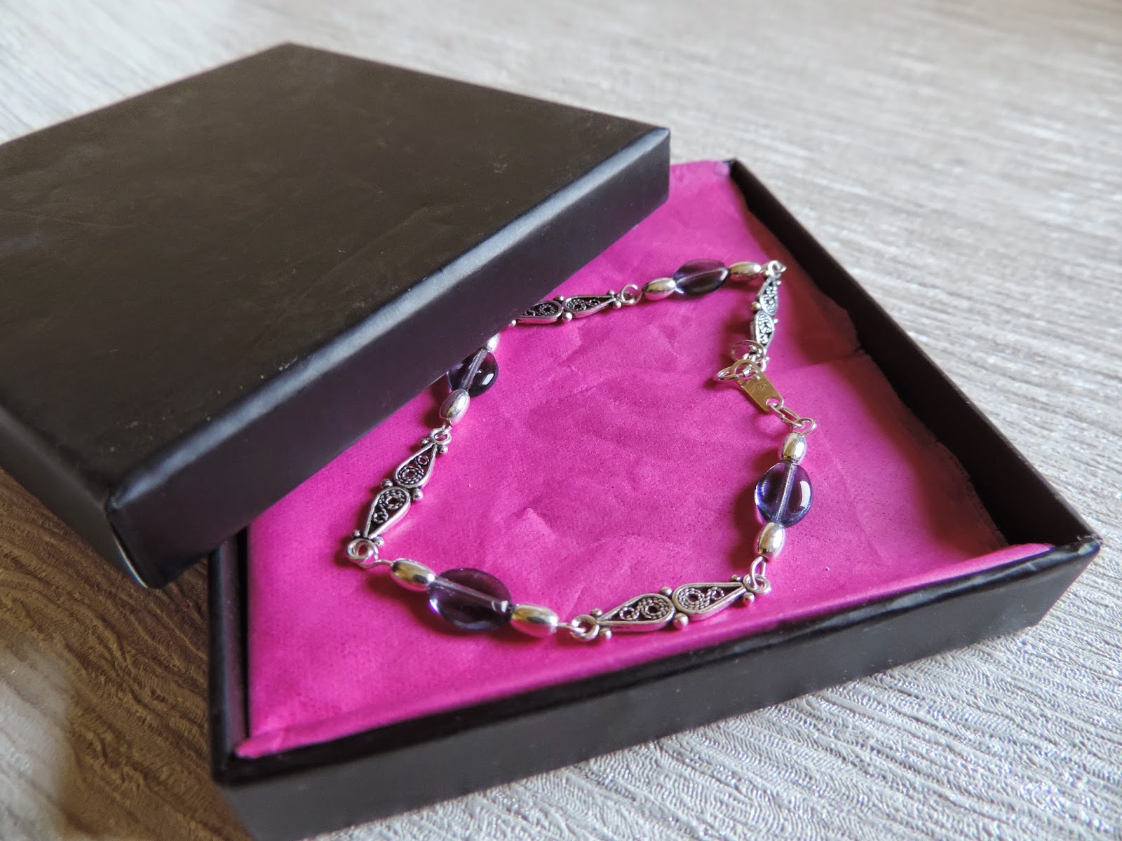 Modern Vintage Style Jewellery Review