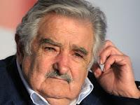 O governo do Uruguai enviou ao Parlamento uruguaio um projeto de lei para descriminalizar a maconha