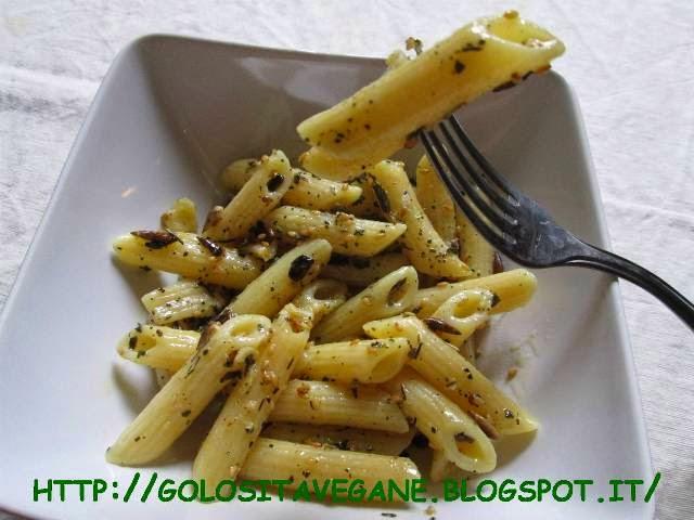 pasta, salvia, aglio, lievito alimentare in scaglie, timo, semi sesamo, semi girasole, maggiorana, Primi, ricette vegan,