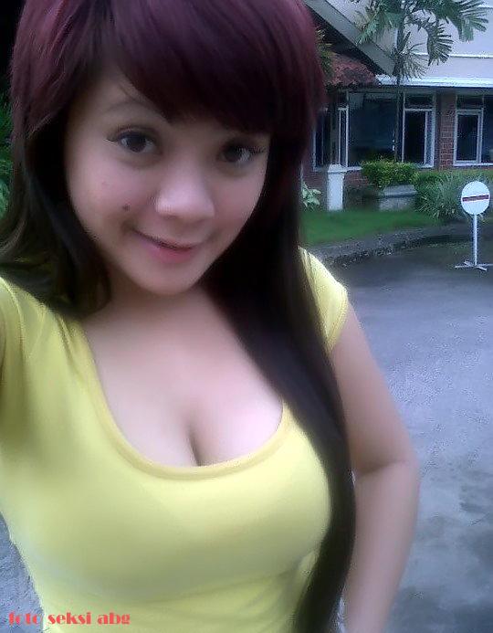 Foto Bugil Gadis Melayu Sedang Pamer Toge Pic 11 of 35
