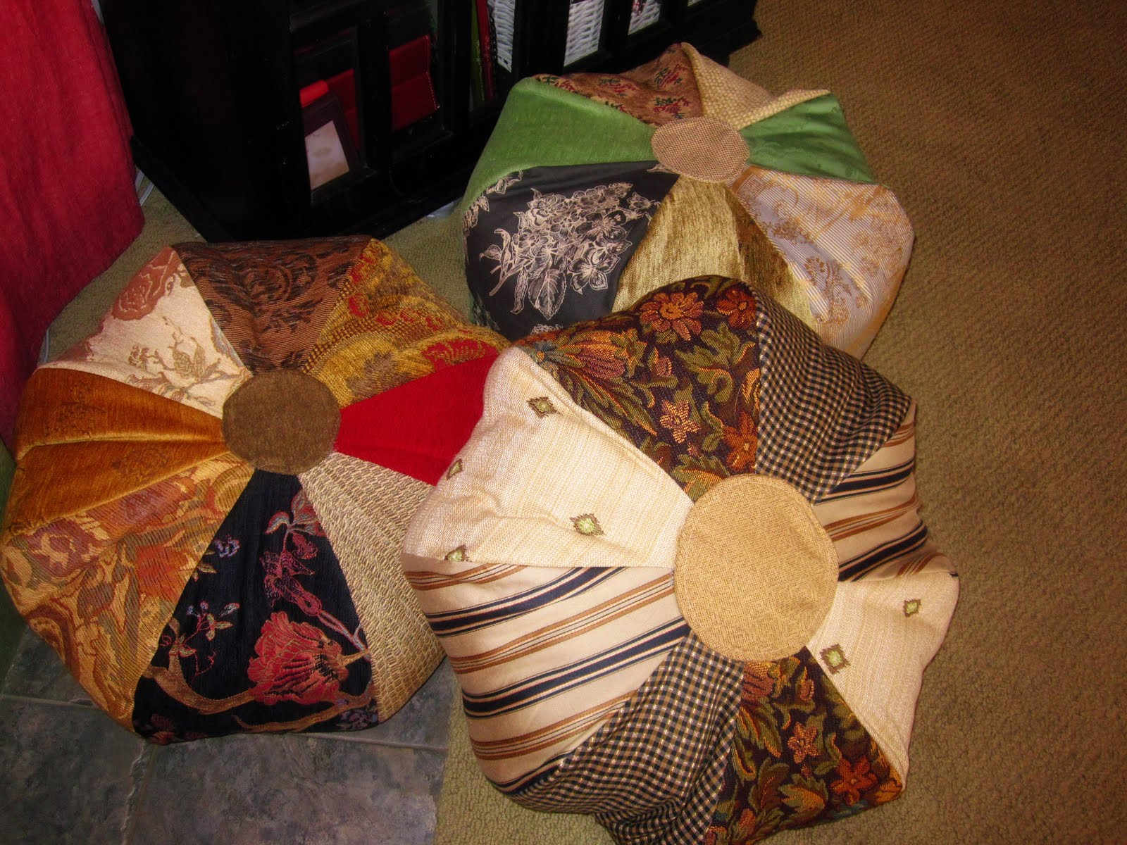 How To Make Moroccan Floor Pillows : The Curious Pebble Project: Morrocan Pouf Pillows (Semi) Tutorial
