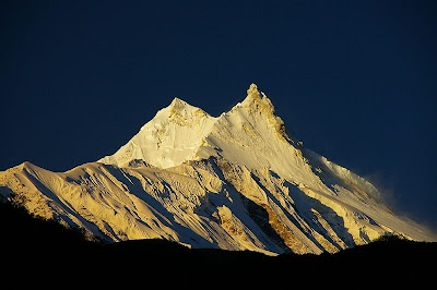 Gunung Dhaulagiri        Tinggi : 8.167 m        Lokasi : Nepal