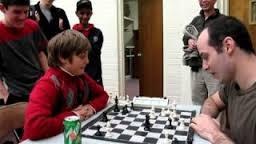 Greg Shahade se fait battre par un gamin de 10ans aux Echecs