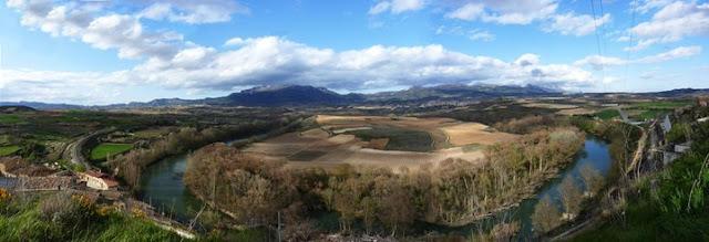 """""""Vista desde el pueblo de Briones"""" de Naiara Briones"""