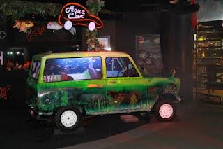 aquarium mobil bekas