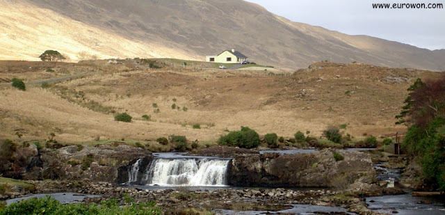 Casa aislada en medio de la nada de Irlanda