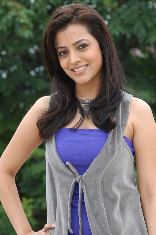 Nisha Agarwal1 - Nisha Agarwal Cute In Blue Dress