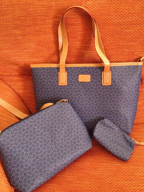 http://www.banggood.com/it/Womens-Handbag-Shoulder-Bag-Set-For-Ladies-Purse-Wallet-Three-Piece-p-972235.html?utm_source=forum_review&utm_medium=&utm_campaign=rorymakeup&utm_content=hanlu