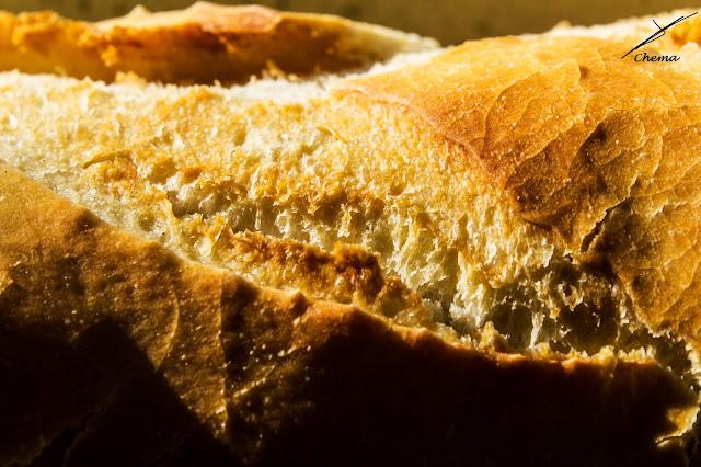 Fotografía de aproximación de una barra de pan