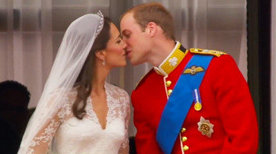 First kiss of the Duke and Duchess of Cambridge. YouTube 2011.