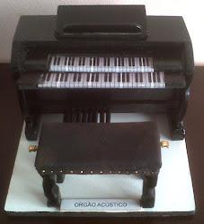 PIANO ACÚSTICO