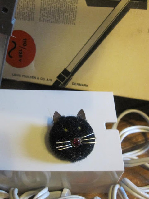 cat brooch vintage
