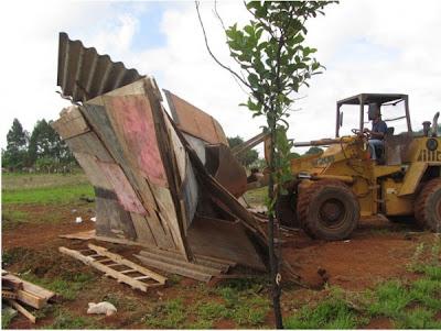 16 edificações erradicadas na Estrutural e em São Sebastião
