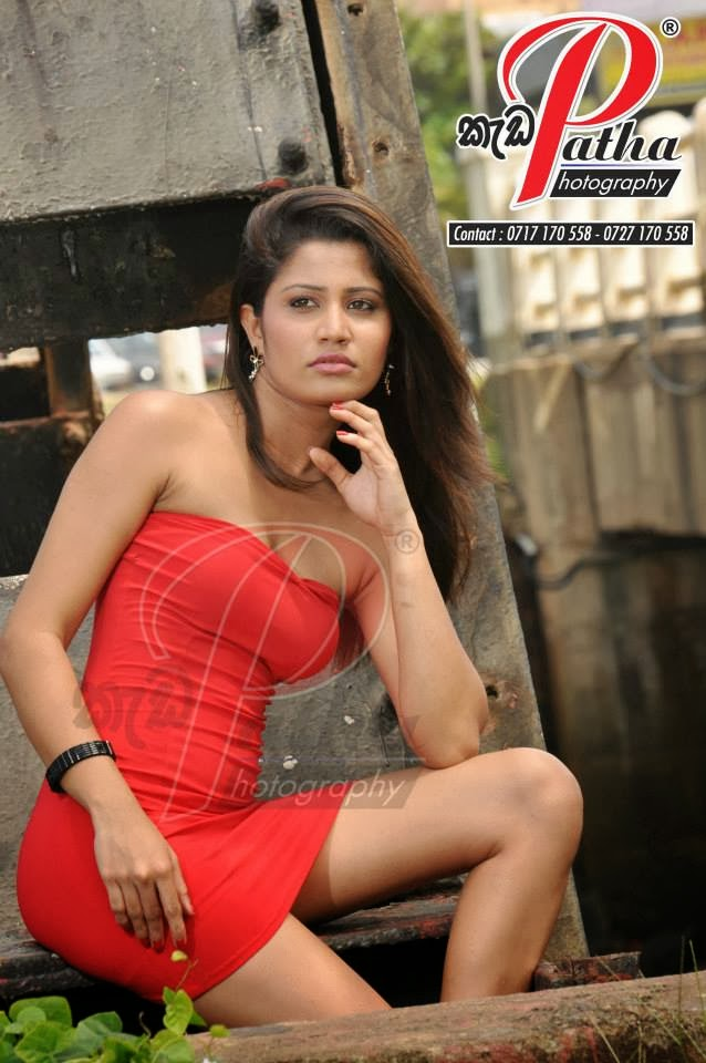 Oshadi Himasha sexy thighs