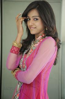 Vithika Sheru Gorgeous Pictures Gallery 006