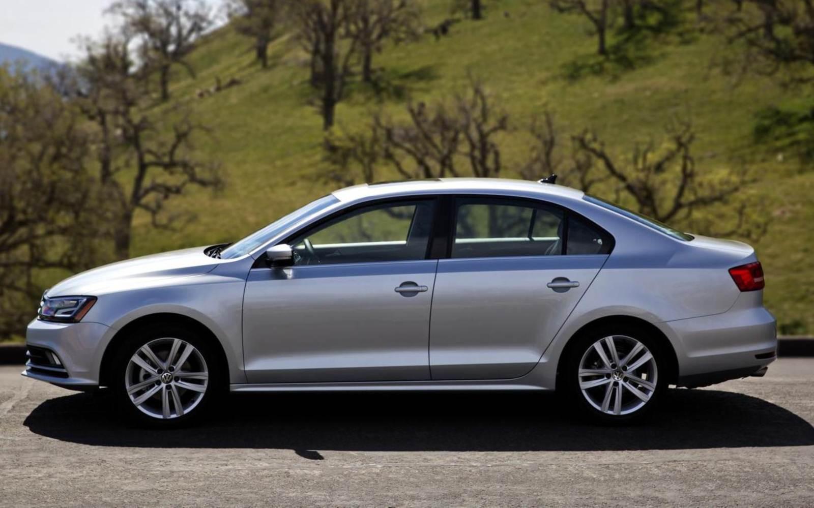 Novo Volkswagen Jetta 2015 - lateral