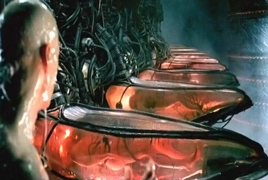 Neo acorda na matrix e vê que as pessoas são usadas como baterias. E você? Quer acordar ou prefere continuar dormindo?