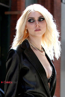 Taylor Momsen Pictures in Leather Jacket at Shooting in NYC 0001