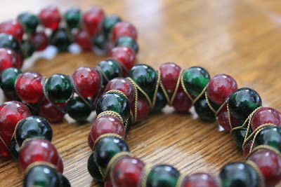 red and green bead napkin rings