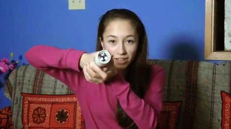 15-Year-Old Develops Flashlight Powered by Body Heat, Wins Top Prize in Google Science Fair