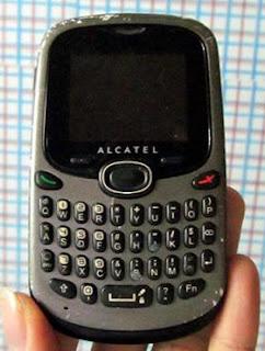 Alcatel OT255 giá 170k 2 sim 2 sóng Bán điện thoại cũ giá rẻ 2s2s rẻ nhất Hà Nội Bán điện thoại cũ 2 sim 2 sóng giá rẻ ở Hà Nội Alcatel OT255 nguyên tem, nguyên bản, chưa sửa chữa, máy nhỏ gọn, có bàn phím đầy đủ nhắn tin nhanh, 2 sim 2 sóng, nghe gọi tốt. Hình thức như ảnh, nói chung là xước xát ở mức chấp nhận được