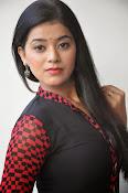 Yamini bhaskar glam pics-thumbnail-10