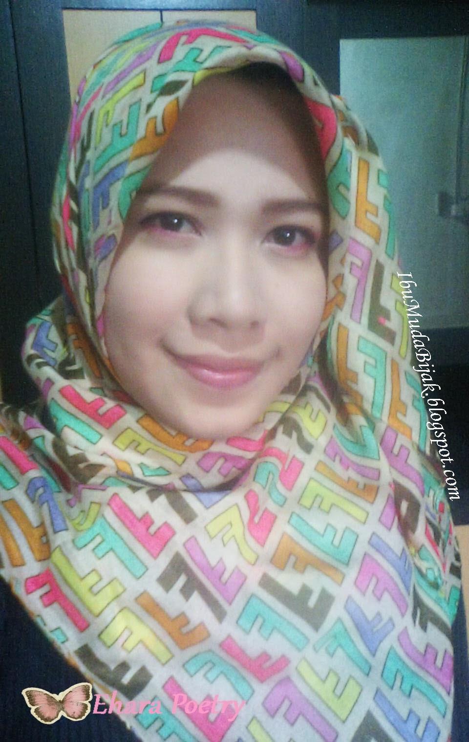 Hijab Style Putri Ehara